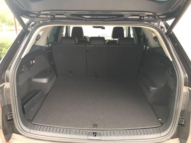 Багажное отделение в автомобиле
